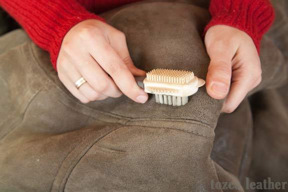 sikat jaket kulit